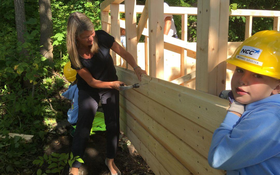 Barnas Byggeskole i Asker får besøk av ordføreren