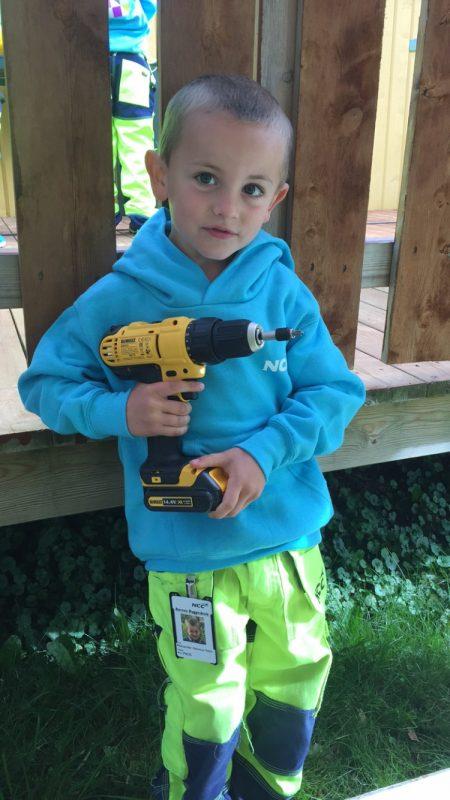 Stor gutt, stort verktøy!