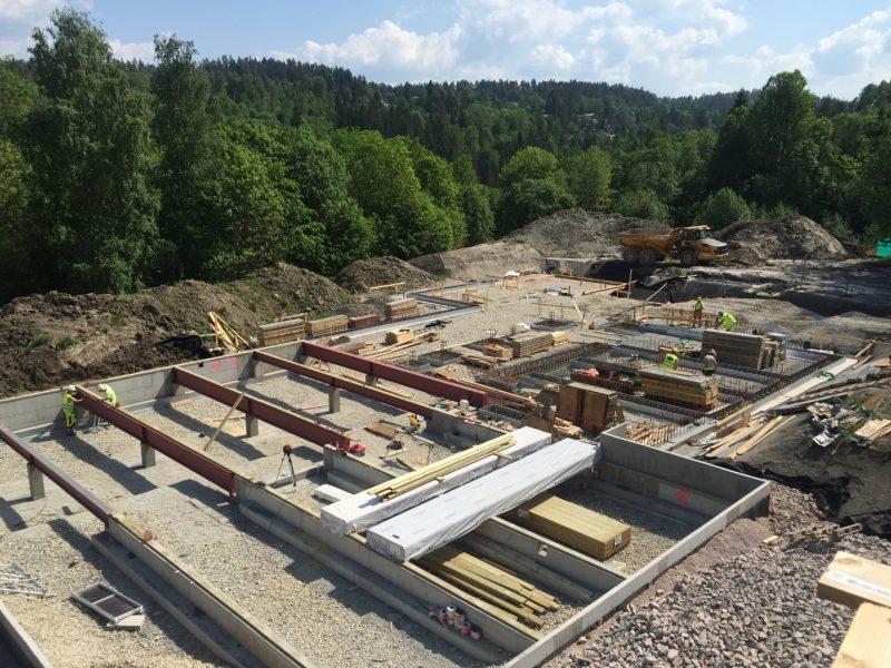 Bilde av byggegropa.